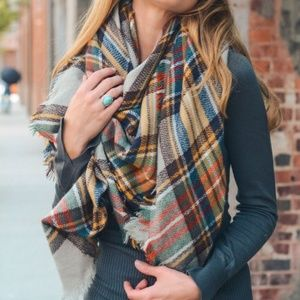 **8/22** MUSTARD | Over-sized Plaid Blanket Scarf